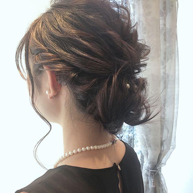 結婚式の髪型《ミディアム×シニヨンヘア》2