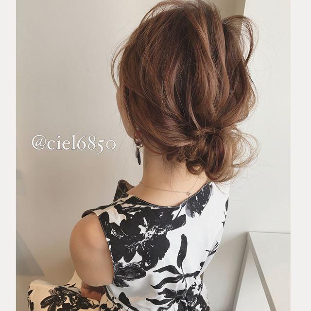 ダウンスタイルのまとめ髪アレンジ