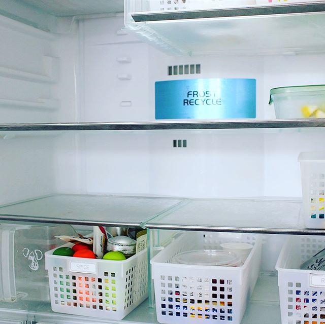 冷蔵庫の中の調味料もボックスへ