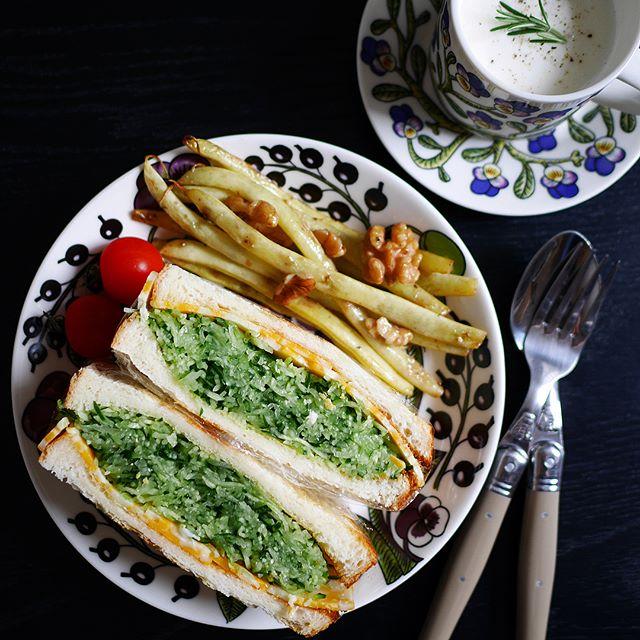 きゅうりとチーズのサンドイッチ