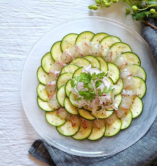 真鯛とズッキーニのカルパッチョ