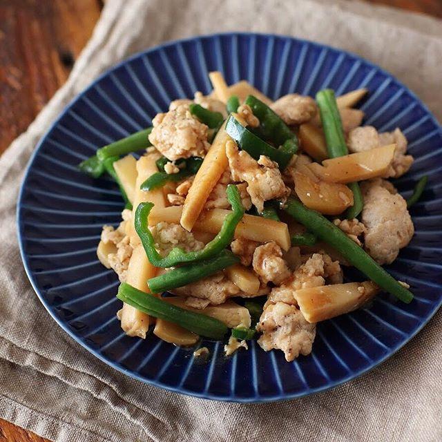 鶏ひき肉でつくる青椒肉絲