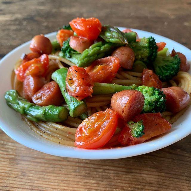 ミニトマトとアスパラの麺つゆパスタ