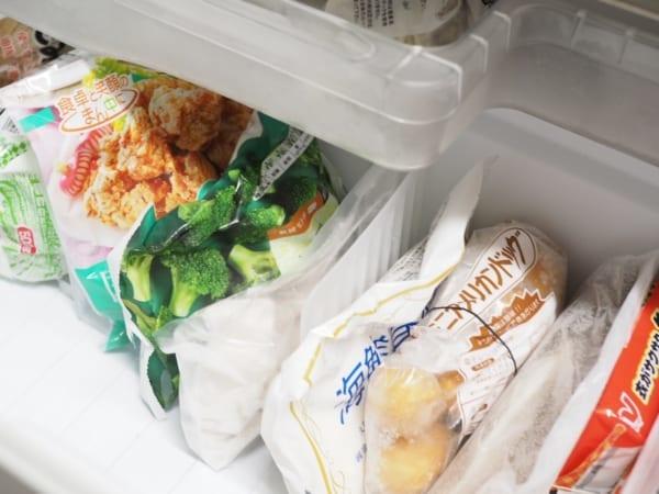 冷凍庫はフリーザーエンドで立てて収納2