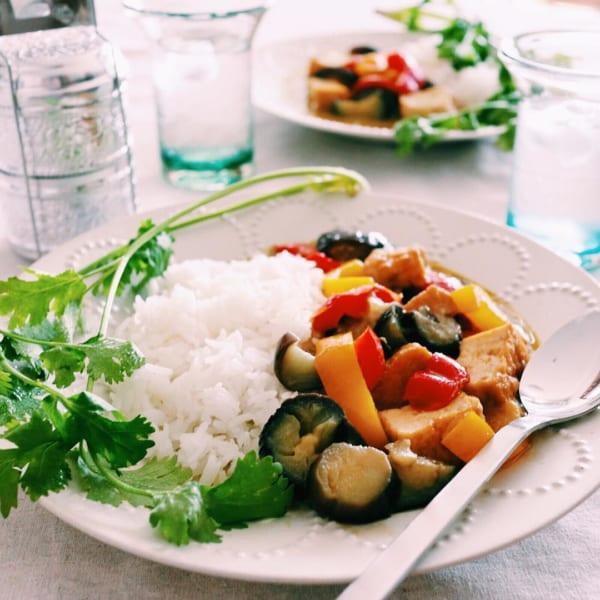 厚揚げと夏野菜のグリーンカレー