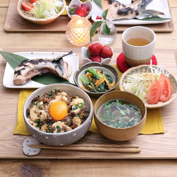 豆腐とひき肉の甘辛丼