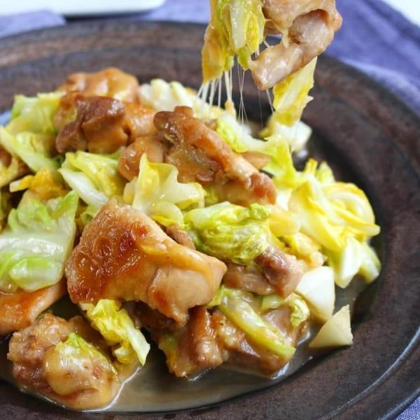 鶏もも肉と春キャベツの照りチー炒め