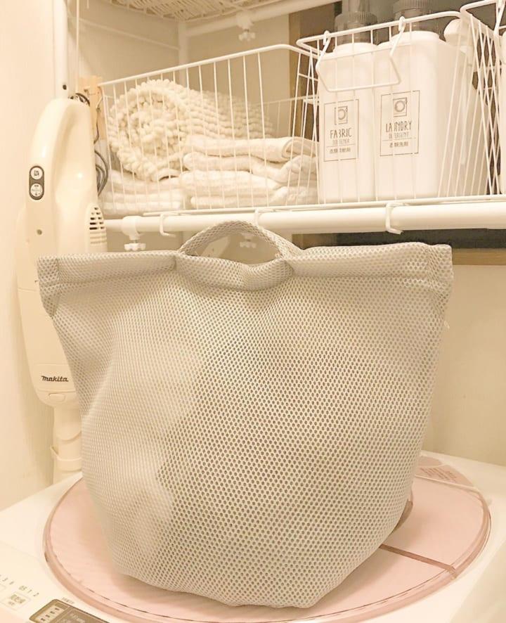 キャン★ドゥの手提げ付き洗濯ネット
