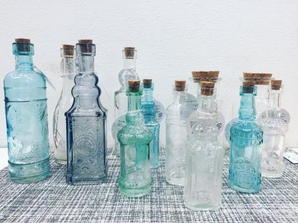 【キャンドゥ】色ガラスのバラエティガラスボトル