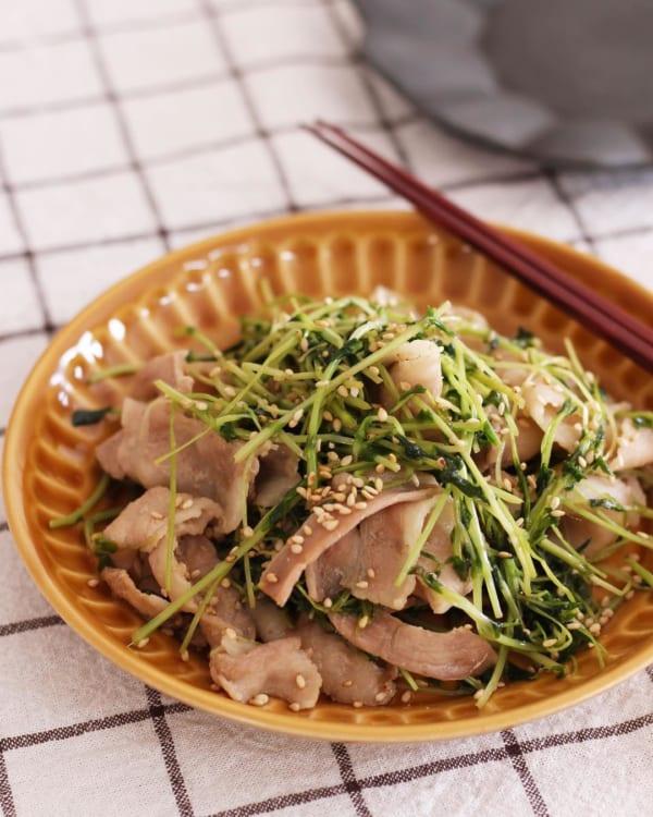 豚肉と豆苗のめんつゆ炒め風