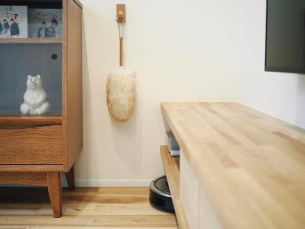 壁に付けられる家具・フックを使ってダスター収納