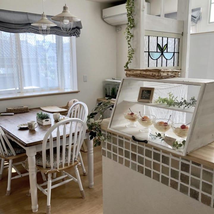 食事やティータイムが楽しくなるような、遊び心を感じさせるお部屋3