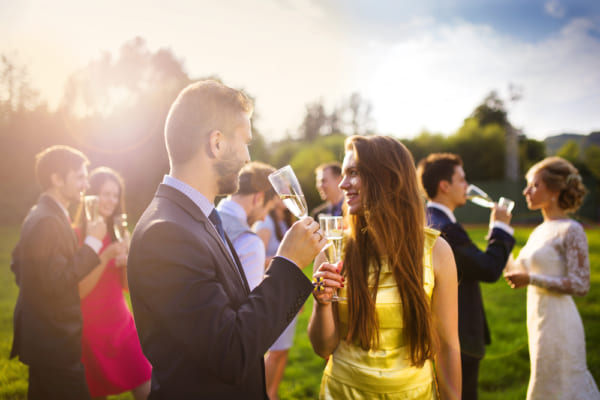 結婚式での出会いのきっかけ