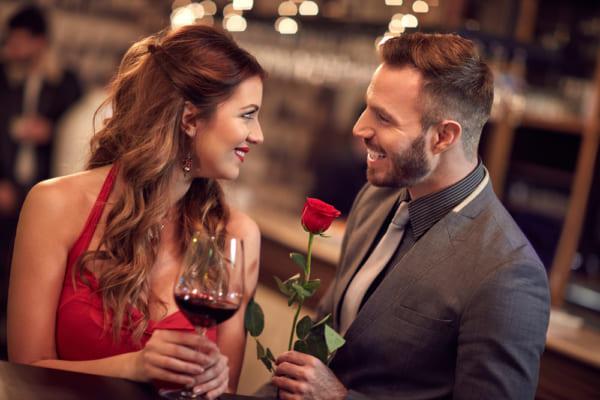 結婚式で気になる人へのアプローチ術