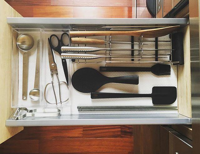 キッチンツールを引き出しに収納