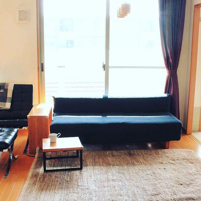 2お部屋のテイストに合わせたブルー系ソファ