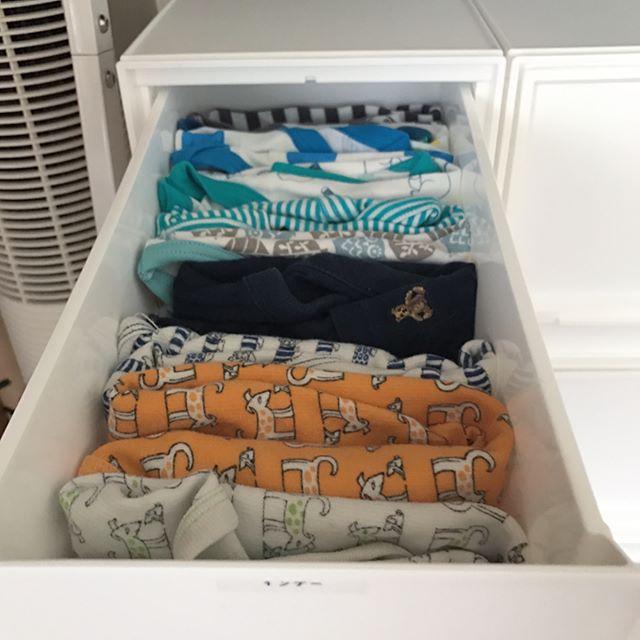 子供服の押し入れ収納アイデア3