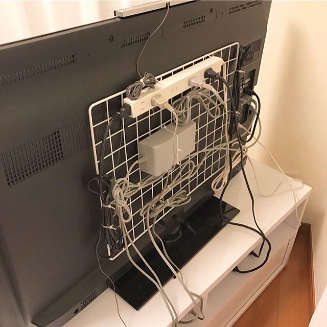 ワイヤーネットをコード収納に