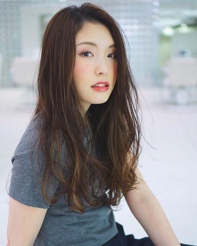 エラ張りさんに似合うロングの髪型3