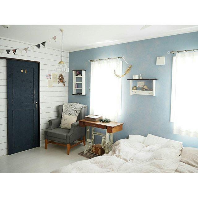 ベッドルームにブルーを取り入れる2