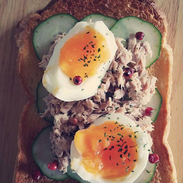 きゅうりとツナと卵のオープンサンド