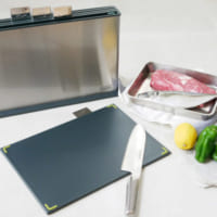 お料理上手になれるアイテム!「まな板」は使い分けて衛生的に♪