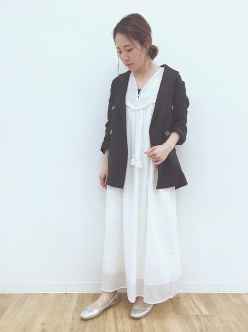 黒 ジャケット コーデ13