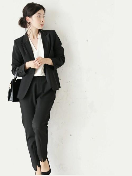 [FRENCH PAVE] シンプルなのに気品を感じさせるブラックジャケット