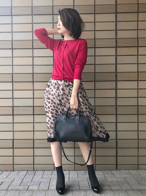 レオパード柄スカートで秋色コーデ