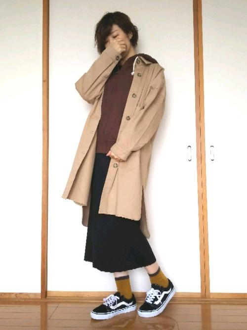 チャンピオンパーカー×スカートの秋冬コーデ5
