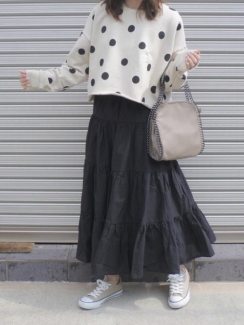 【ZARA】ドットスウェット×黒スカート