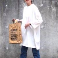 白ワンピースの秋コーデ特集♡羽織り&レイヤードできれいめな着こなし♪