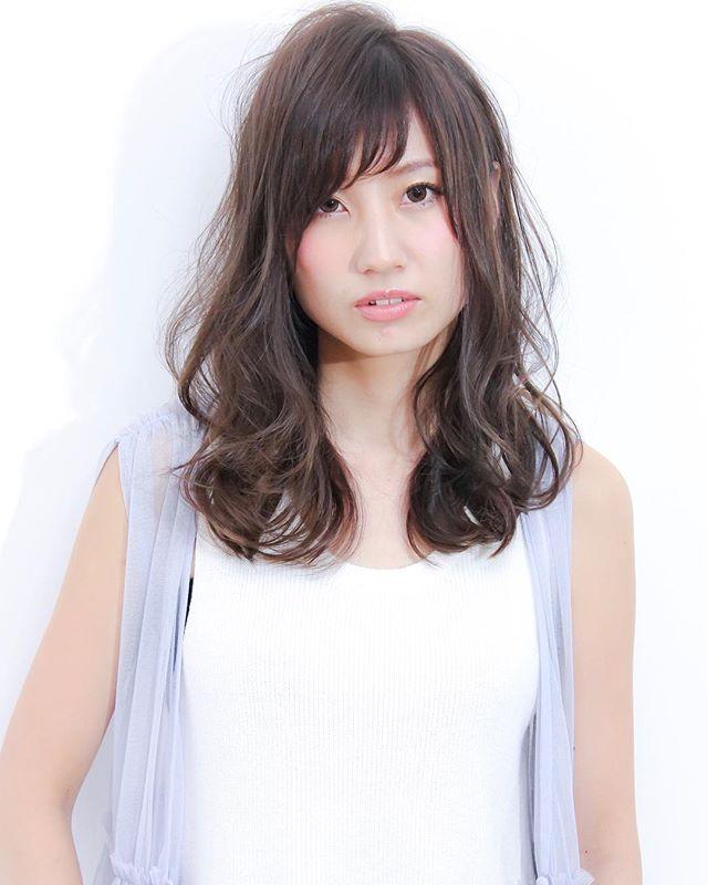 エラ張りさんに似合うミディアムの髪型3