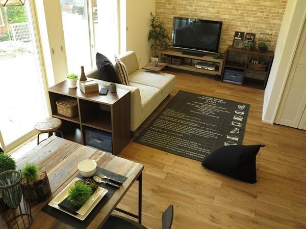 一人暮らしにも役立つソファのレイアウト実例2