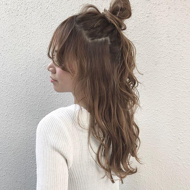 小顔に見えるロングの髪型5
