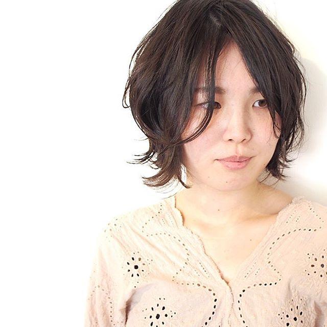小顔に見えるショートの髪型6