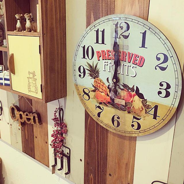 2掛け時計でヴィンテージ風なインテリア
