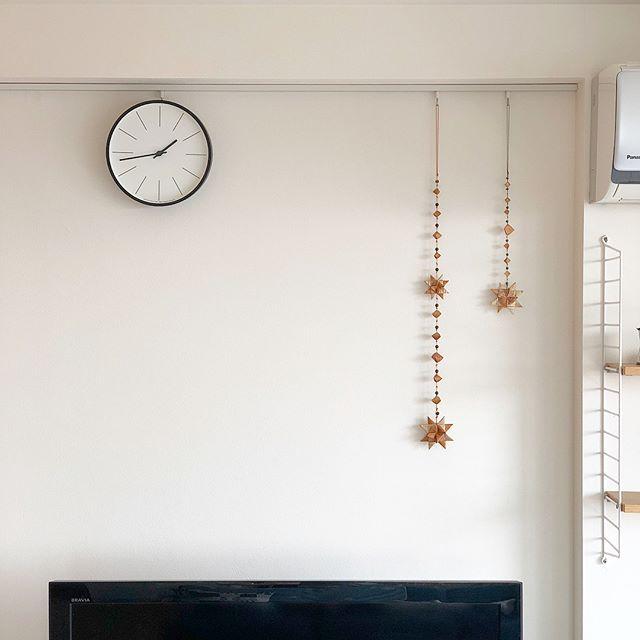 掛け時計でモダンな空間