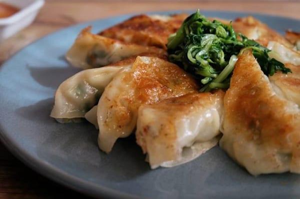 豆苗とチーズの鶏餃子