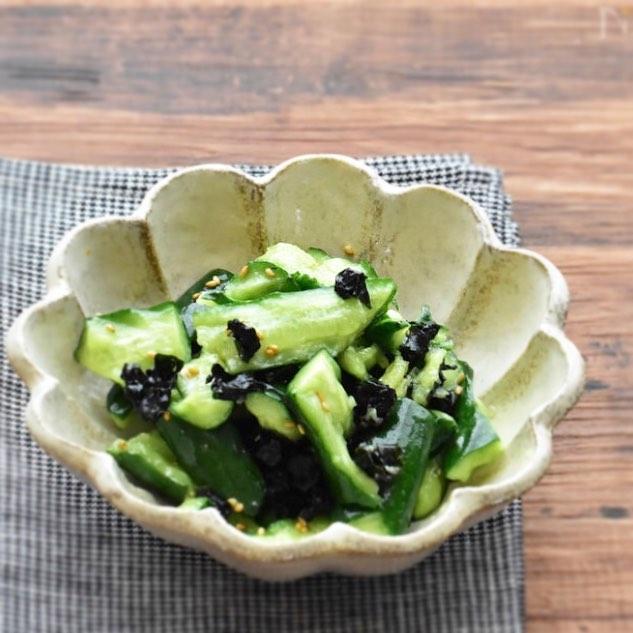 きゅうりと乾燥わかめのごま油香る中華サラダ