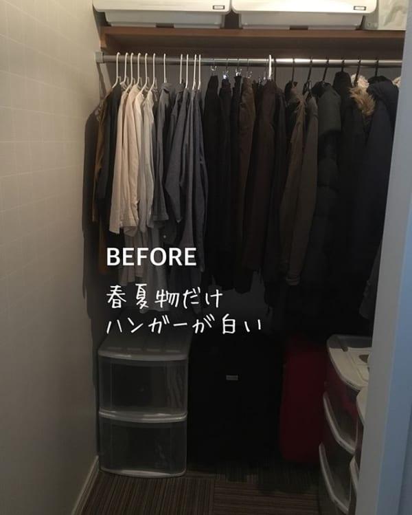 ⑥ハンガーの色を活かした洋服収納