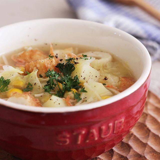 バター香るちくわとコーンの食べるコンソメスープ