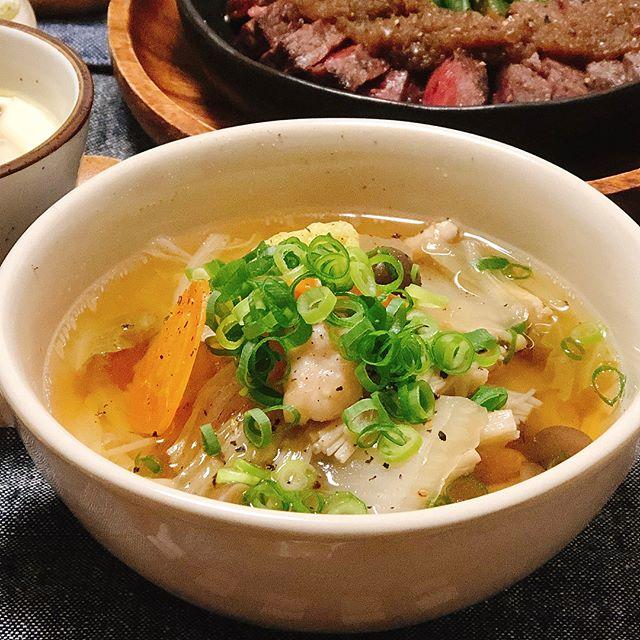 鶏肉と白菜とキノコのスープ煮