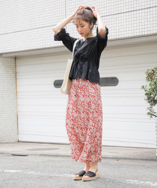 夏 カジュアル スカートコーデ4
