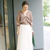 白スカートの秋コーデ25選!季節感を演出するおしゃれな着こなしをご紹介♪