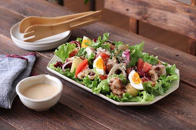 グリルチキンで栄養豊富サラダ