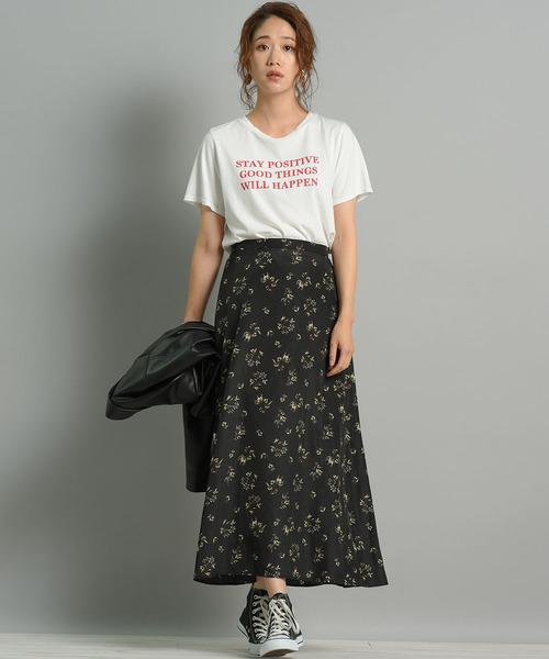 [LIPSTAR] ダークフラワープリントスカート