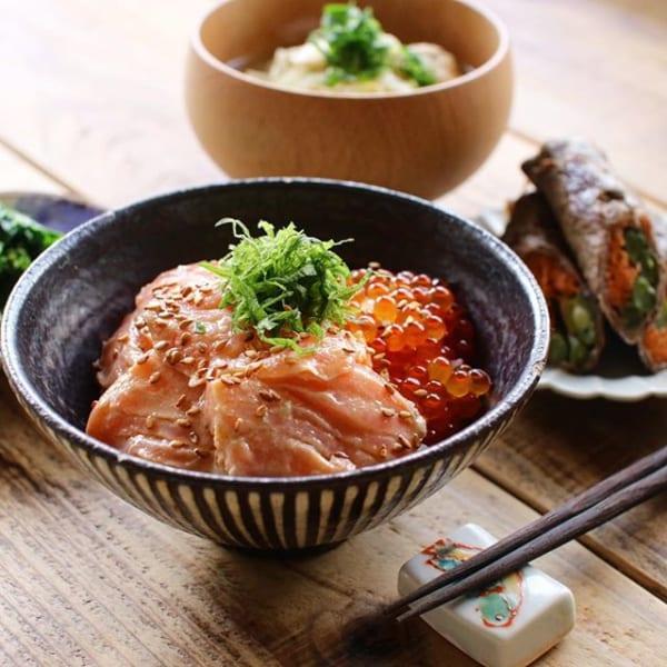 サーモンポキといくら丼