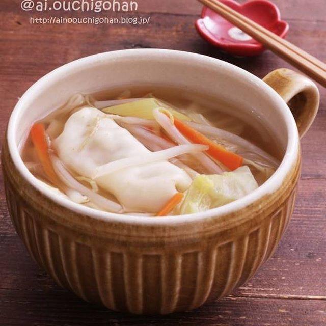 冷凍餃子で簡単に!具沢山節約スープ