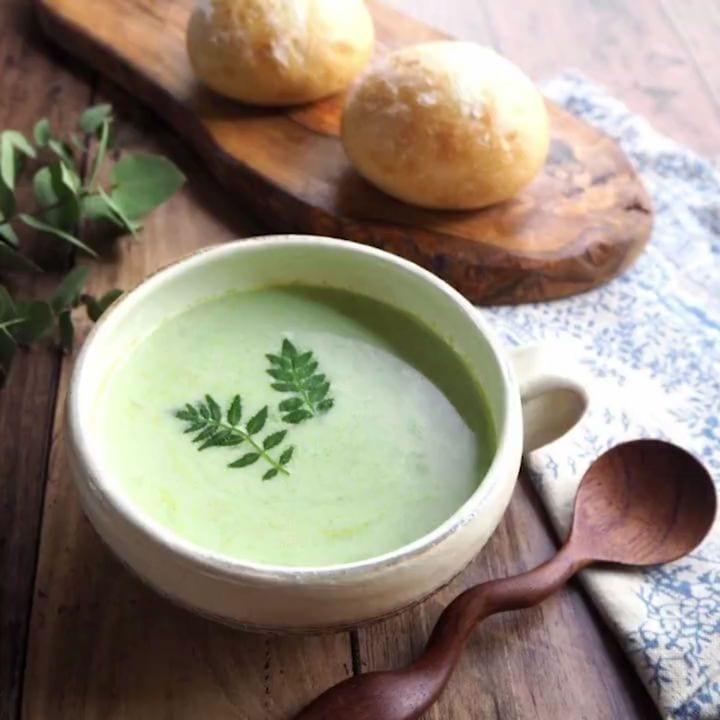グリンピースのクリーミーすりながしスープ☆